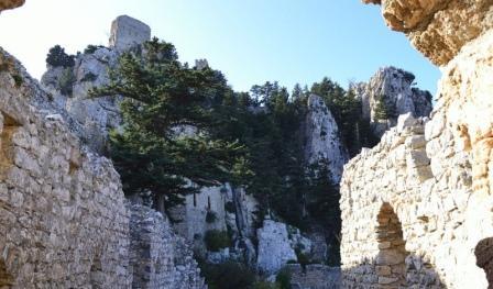 экскурсии в замок Святого Иллариона Кипр