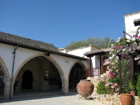 экскурсии в монастырь Святой Феклы Менико