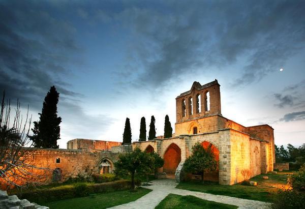 экскурсии в аббатство Беллапаис