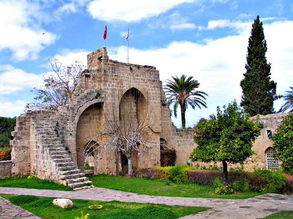 индивидуальная экскурсия в аббатство Беллапаис