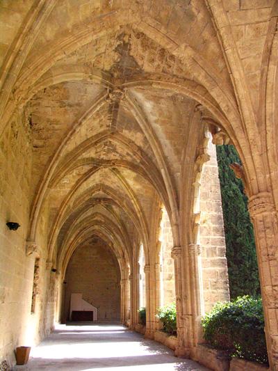 индивидуальные экскурсии в аббатство Беллапаис