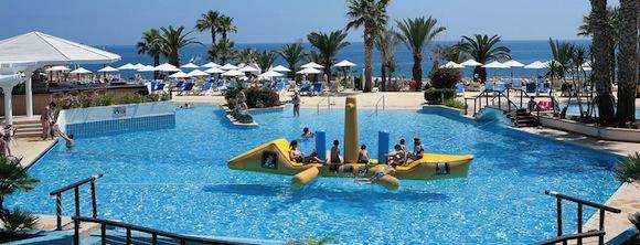отдых с детьми golden coast bech Кипр