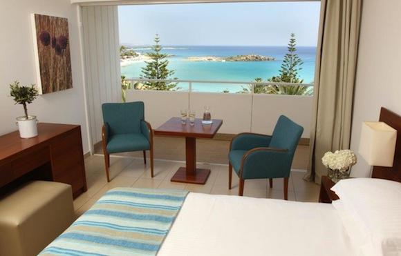 отдых в отеле Ниси Бич Кипр