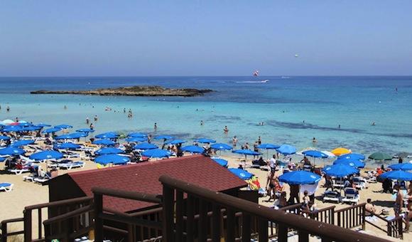 отдых на Кипре с детьми Maistrali beach