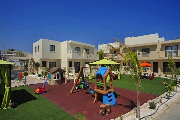 отдых с детьми в Айя-Напе Nelia Gardens отель