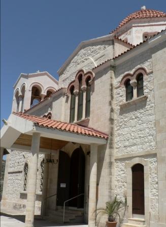 церковь в деревне Тримклини