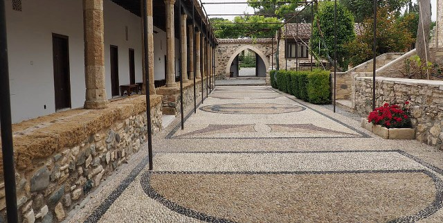 экскурсии в монастырь Святого Ираклидия Кипр