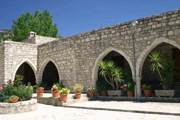 индивидуальные экскурсии в монастырь Айя Мони Пафос