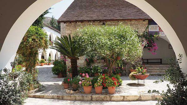 индивидуальные экскурсии в монастырь Святого Минаса