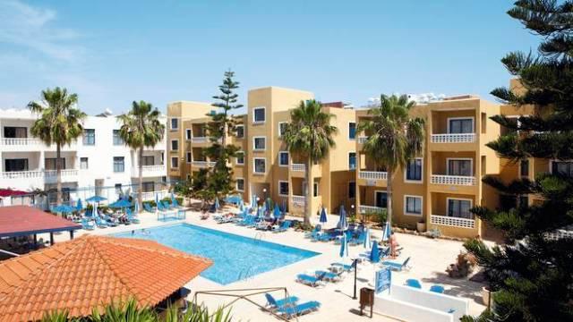 Damon Hotel Apartments Пафос