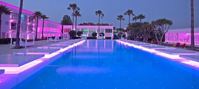 So White Boutique Suites Айя-Напа номера с бассейном