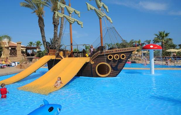 отдых с детьми Olympic Lagoon