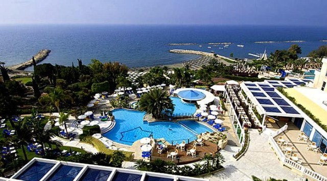 отлель mediterranean beach hotel Лимассол