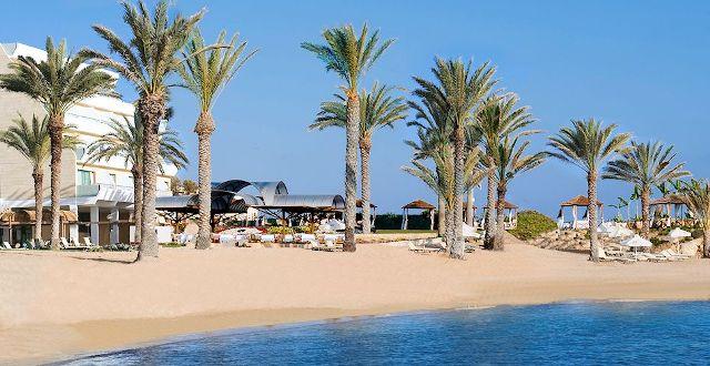 пляж отеля Constantinou Bros Asimina Suites