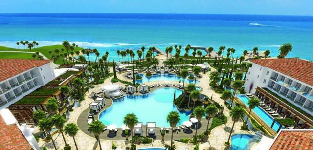 пляж отеля Olympic Lagoon Resort Пафос