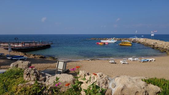 пляж отеля cyprotel cypria maris