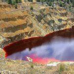 Озеро крови на Кипре возле деревни Митсеро