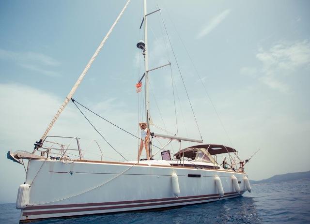 яхта для рыбалки на Кипре