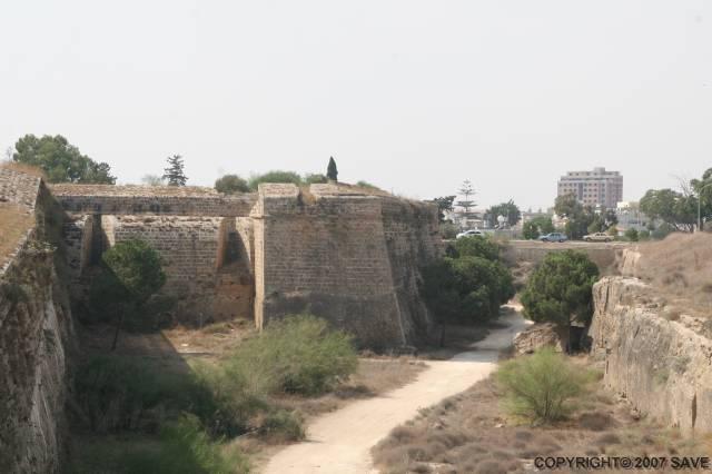 Бастион Мартиненго в Фамагусте Кипр