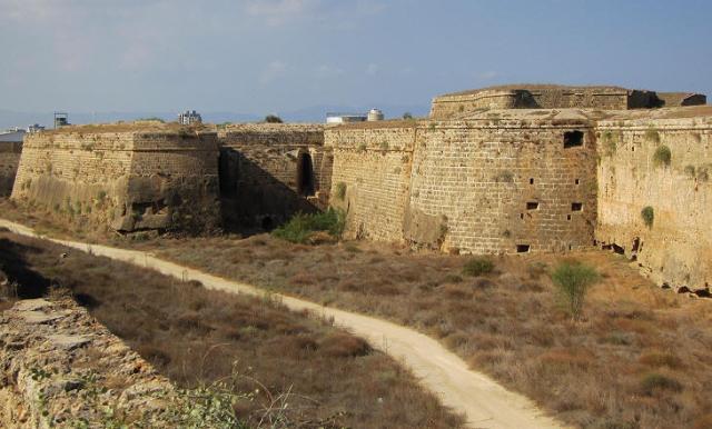 Бастион Мартиненго в Фамагусте Северный Кипр