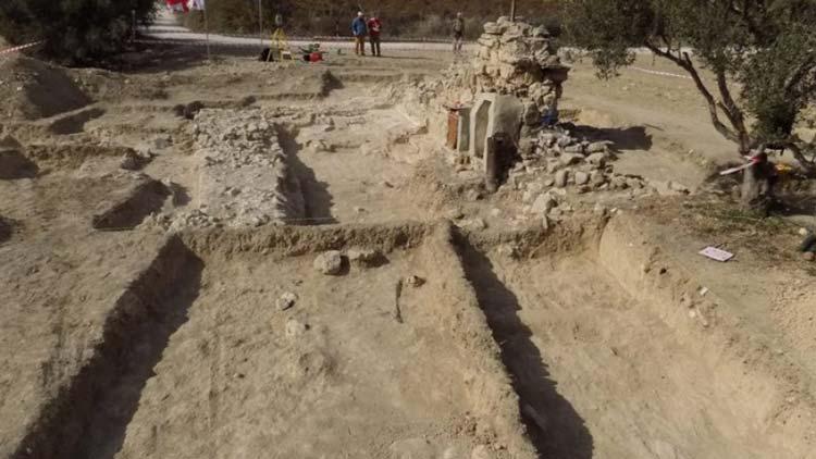 раскопки грузинских храмов на Кипре