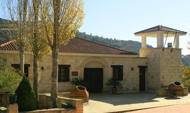 винодельня Вардалис в деревне Килани