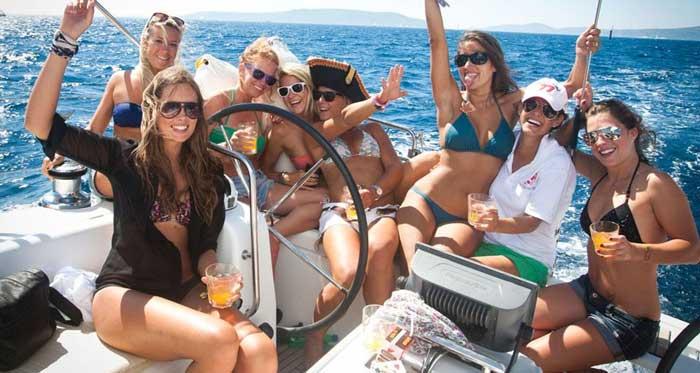 аренда яхты в Лимассоле для девичника
