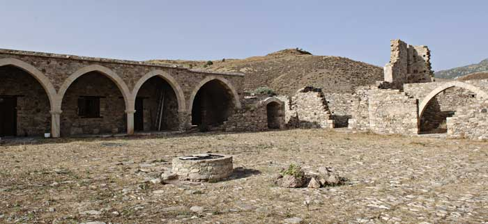 экскурсии в монастырь Панагии Синти с частным гидом