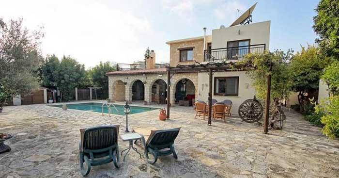 описание деревни Месоги Кипр