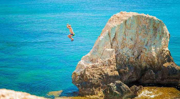 прыжки на мысе Каво Греко