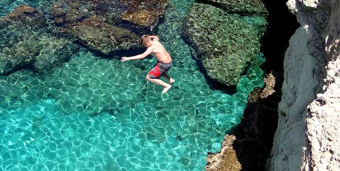прыжки в воду на мысе Греко