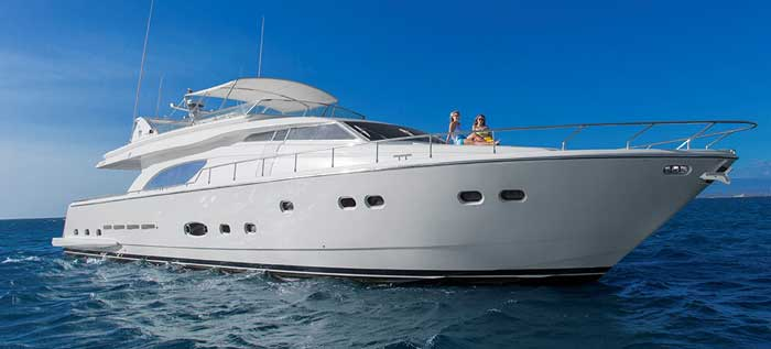 Аренда люксовой яхты на Кипре Ferretti 810