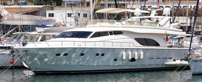 Аренда яхты в Протарасе Feretti 810