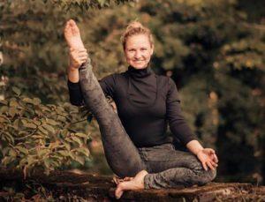 детский лагерь на Кипре тренер по йоге