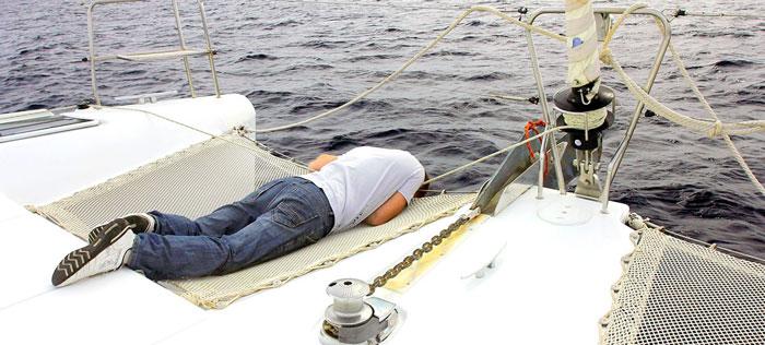 лечение морской болезни на яхте на Кипре